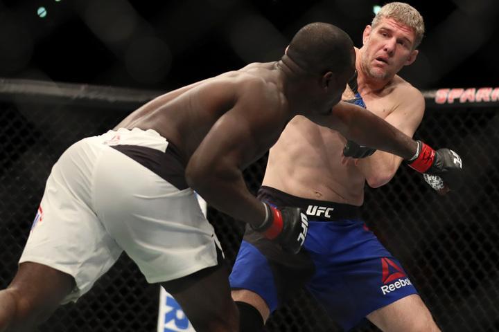 ufc-fight-night-110-video-highlights-derek-brunson-vs-daniel-kelly_1