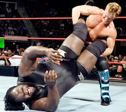 Chris-Jericho-Attempts-To-Haul-Mark-Henry-In-Walls-of-Jericho_crop_exact